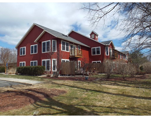 26 Myers Farm Lane, Greenfield, MA 01301