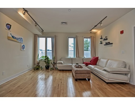 24 Bay State Road, Cambridge, MA 02138