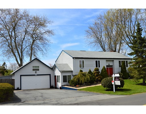 350 Bakerville Road, Dartmouth, MA