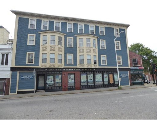 18 Appleton Street, Lowell, MA 01852