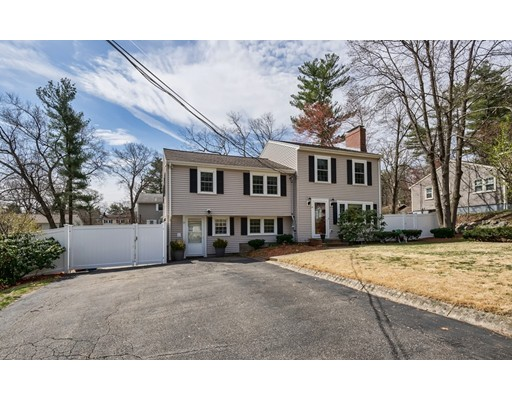 10 Oakridge Circle, Wilmington, MA