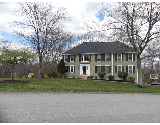 186 Candlestick Road, North Andover, MA