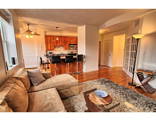 9-15 Battery St #10, Boston, MA 02109