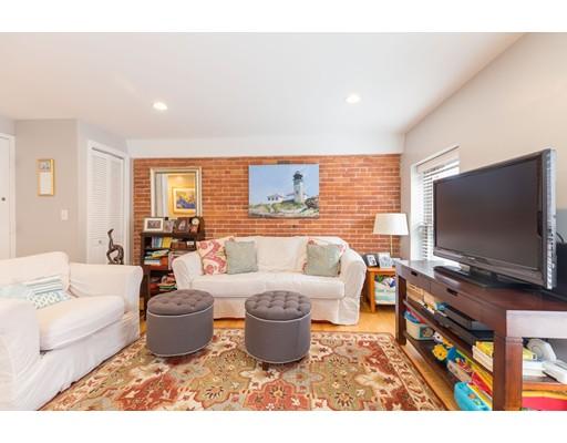 117 Fulton Street, Boston, MA 02109