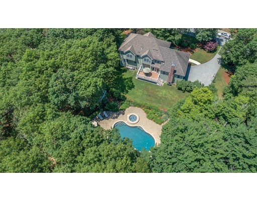 11 Crestview Road, Bedford, MA