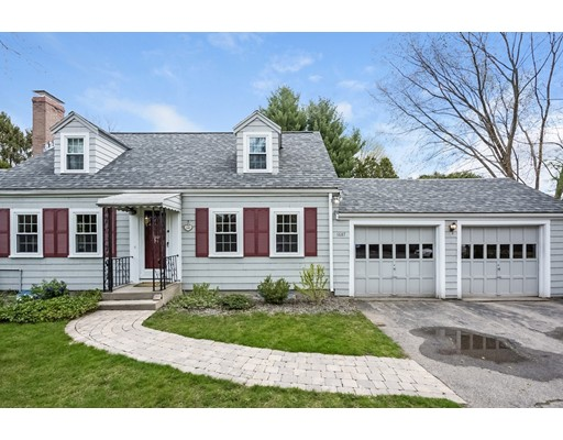 1687 Great Plain Avenue, Needham, MA