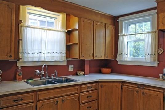 76 Hastings Street, Greenfield, MA: $210,000