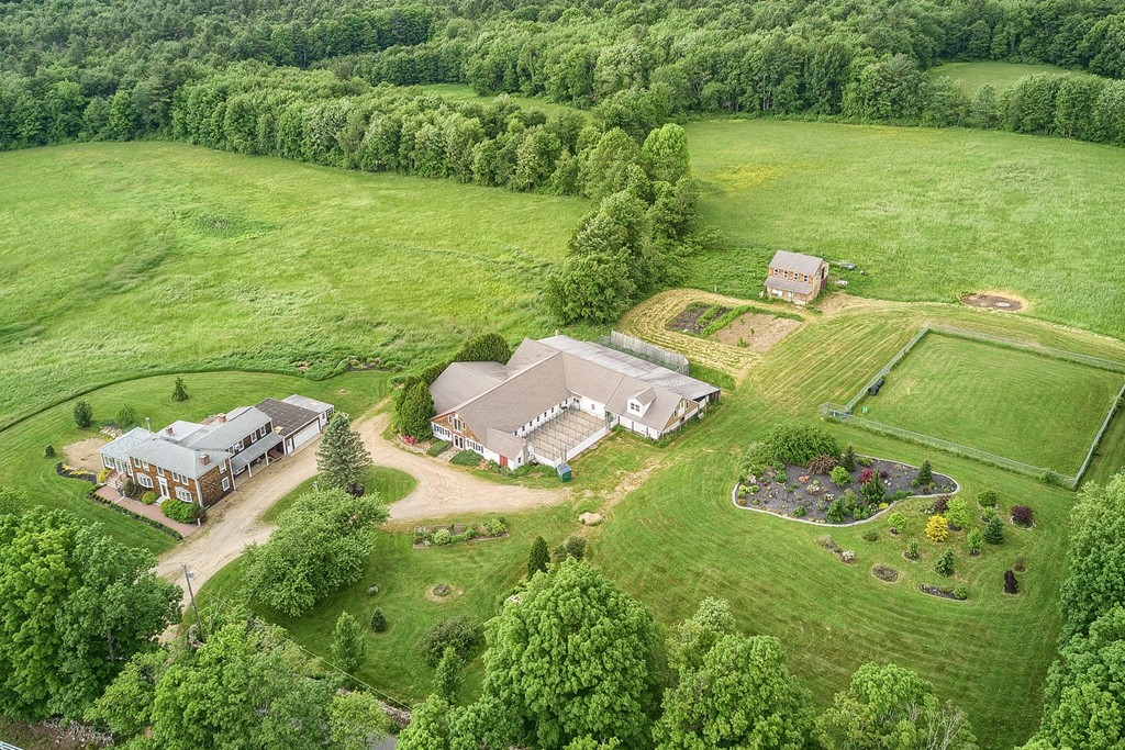 Homes For Sale With Garage In Barre Ma Verani Realty