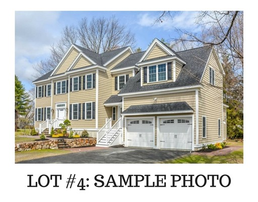 4 VETERANS Way, Reading, MA