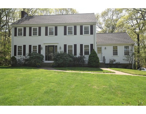 37 Rolling Lane, Dover, MA