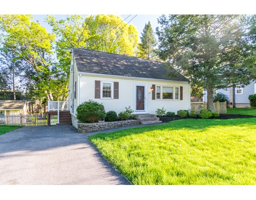 27 Donald Tennant Circle, North Attleboro, MA