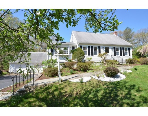 26 Hatters Hill Road, Medfield, MA