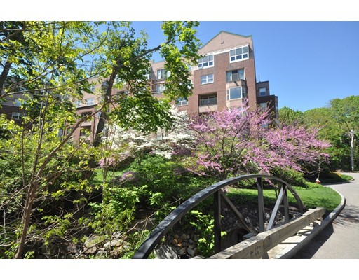 1 Watermill Place, Arlington, MA 02476