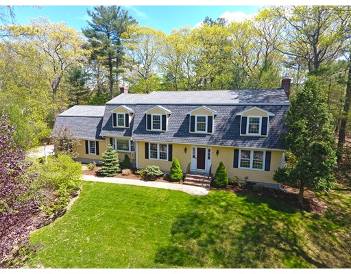 4 Onondaga Lane, Medfield, MA