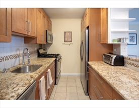 Property for sale at 6 Whittier Pl - Unit: 10H, Boston,  Massachusetts 02114
