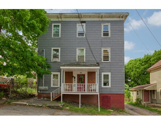 12 Coachlace Street, Clinton, MA 01510