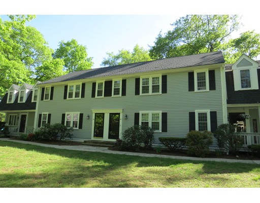 49 Old Meetinghouse Green, Norton, MA 02766