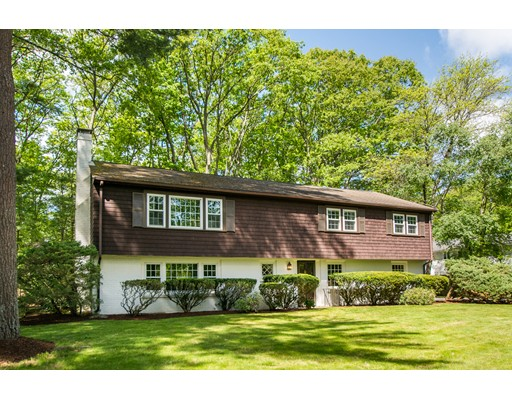 11 Rolling Lane, Medfield, MA