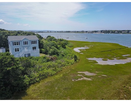 62 Oak Grove Avenue Falmouth MA 02536