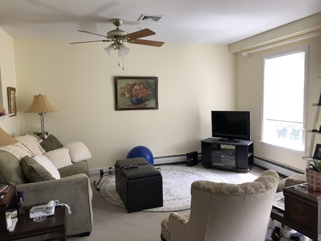 34 Meeting House Ln, Stow, MA, 01775, Middlesex Home For Sale