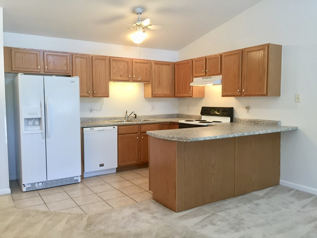 24 Eagle Dr, #24, Tewksbury, MA 01876 | Marc Roos Realty