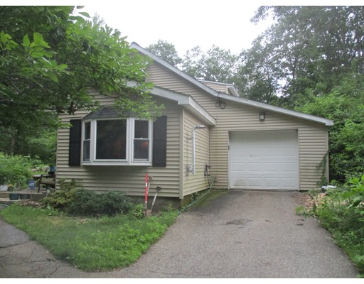 41 Woodland Road, Leicester, MA