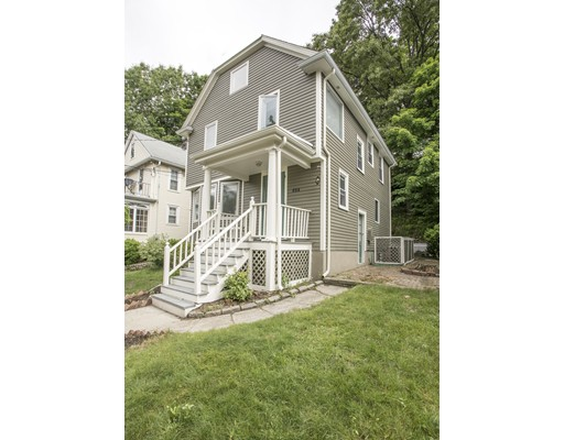 654 Chestnut Hill Avenue, Brookline, MA