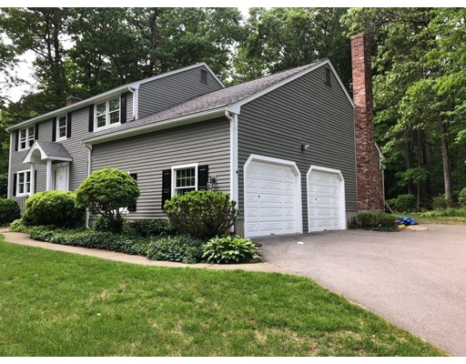 46 Indian Hill Road, Medfield, MA