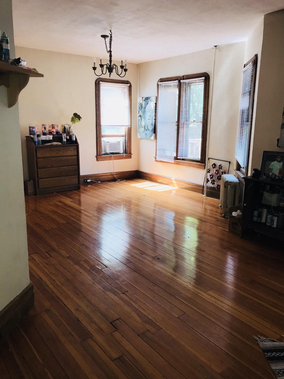 47 FOREST ST, SPRINGFIELD, MA 01108