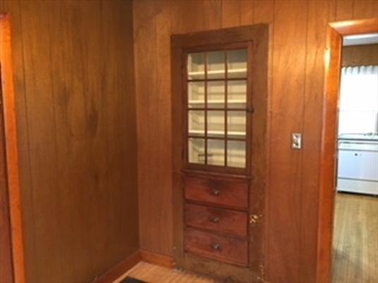 178 Hope St, Greenfield, MA: $149,000