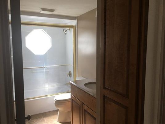 52 C Prospect St, Greenfield, MA: $102,000