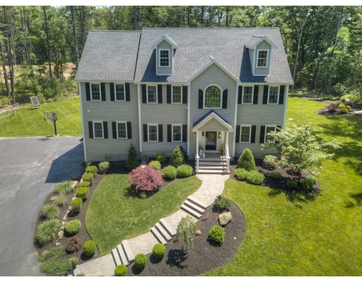 4 Stonecleave Road, North Reading, MA