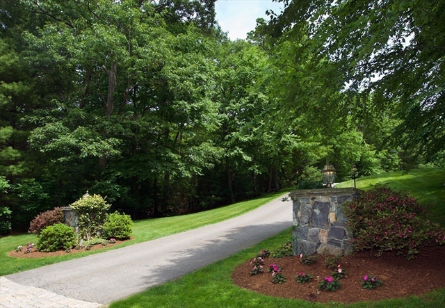 10 Stratford Way, Lincoln, MA, 01773, Middlesex Home For Sale