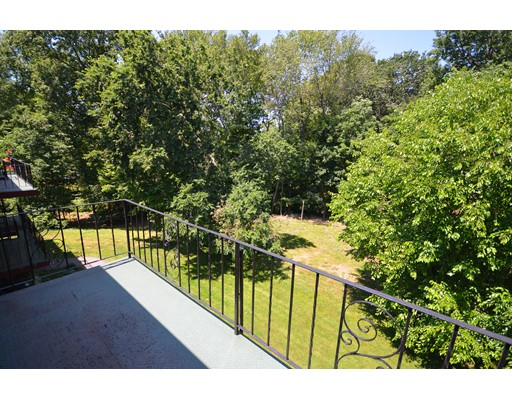 60 Edgelawn Avenue, North Andover, MA 01845
