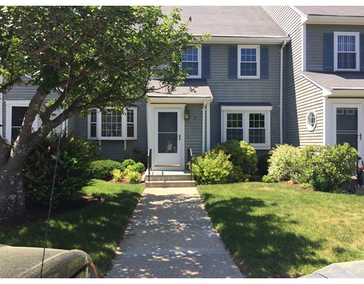 17 Washington Green, Walpole, MA 02032