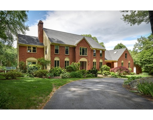 8 Partridge Hill Road, Dover, MA