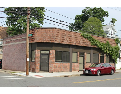108 School St, Watertown, MA 02472