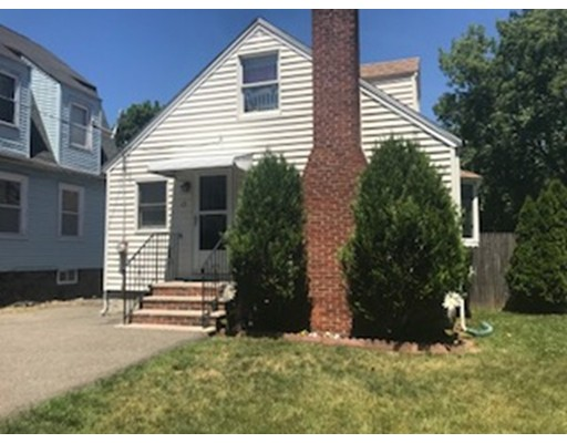 17 Cottage Street, Peabody, MA