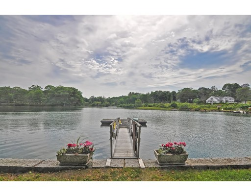 1 Nortons Point, Manchester, MA