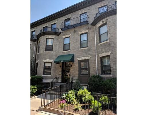 30 Peterborough Street, Boston, MA 02215