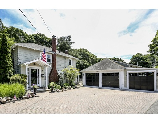 16 Maple Circle, Marblehead, MA