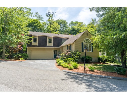 4 Tree Top Lane, Lynnfield, MA