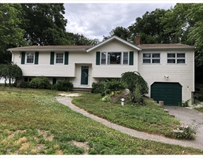 33 Clearwater Dr, Plymouth, MA 02360
