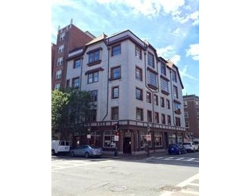 82 Chestnut Street, Boston, MA 02108