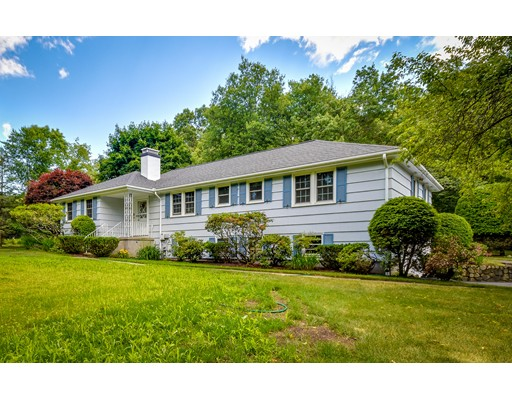 28 Meadowbrook Road, Sherborn, MA