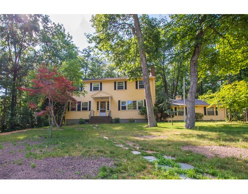 28 Hillcrest Road, Medfield, MA