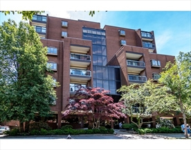 Property for sale at 1265 Beacon Street - Unit: 305, Brookline,  Massachusetts 02446