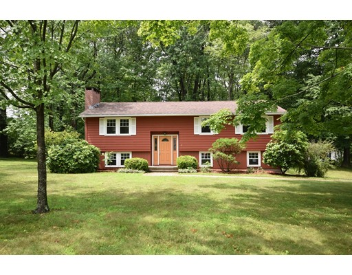 2 Woodlawn Road, Hadley, MA