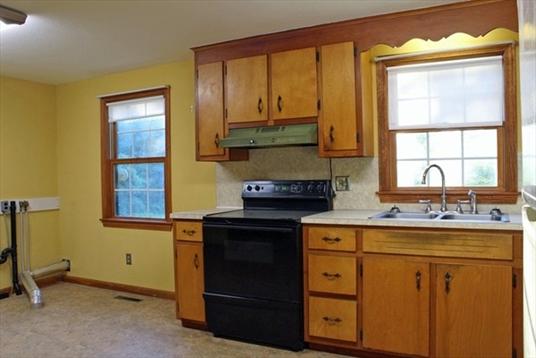 421 Federal Street, Montague, MA: $255,000
