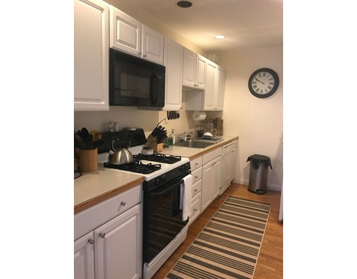 8 South RUSSELL, Boston, Ma 02114